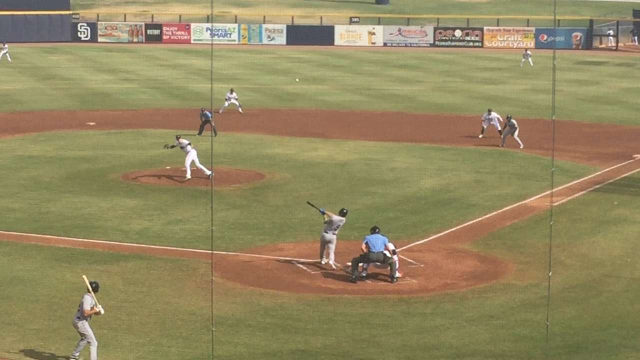 Dodgers' Smith, Peters deliver in Fall League