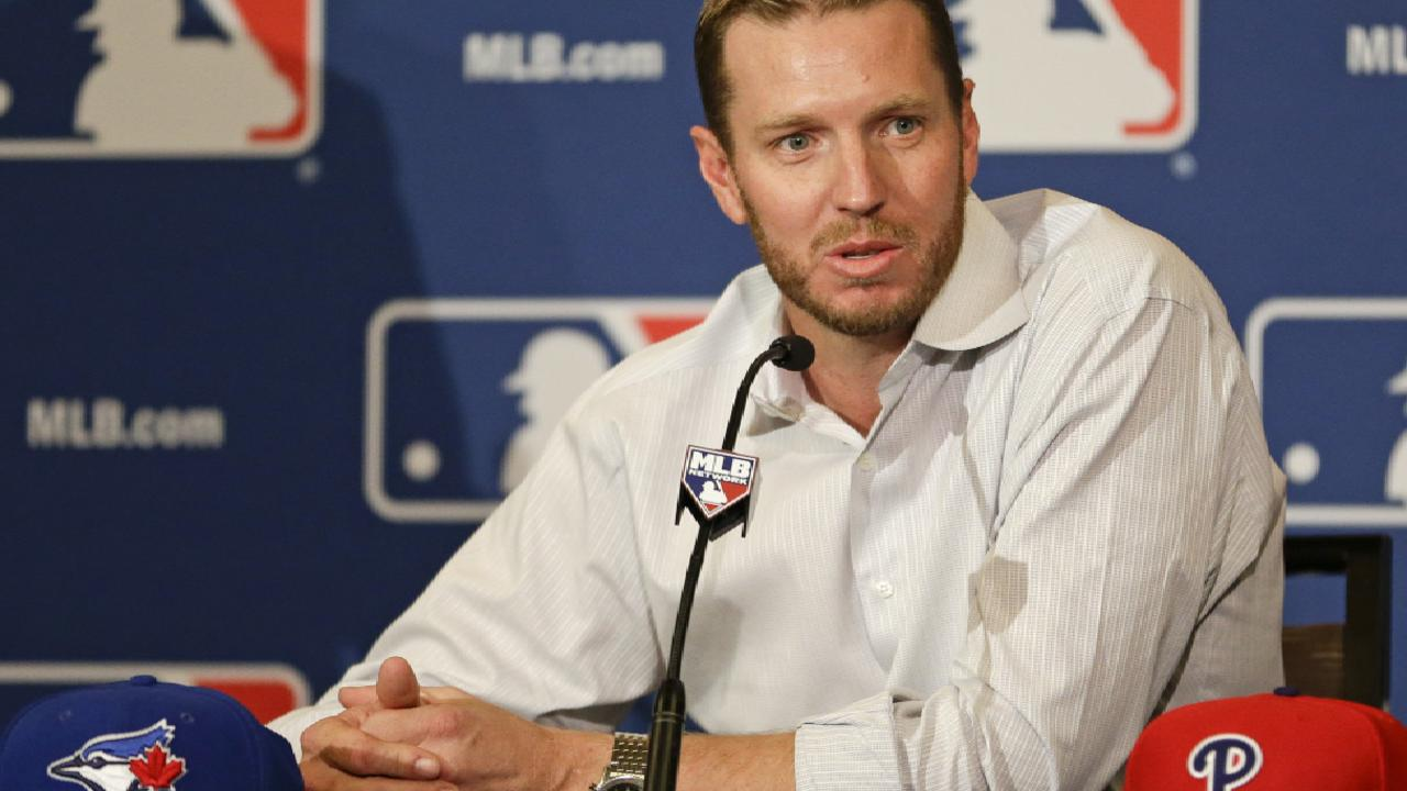 Halladay dies in plane crash off Florida coast