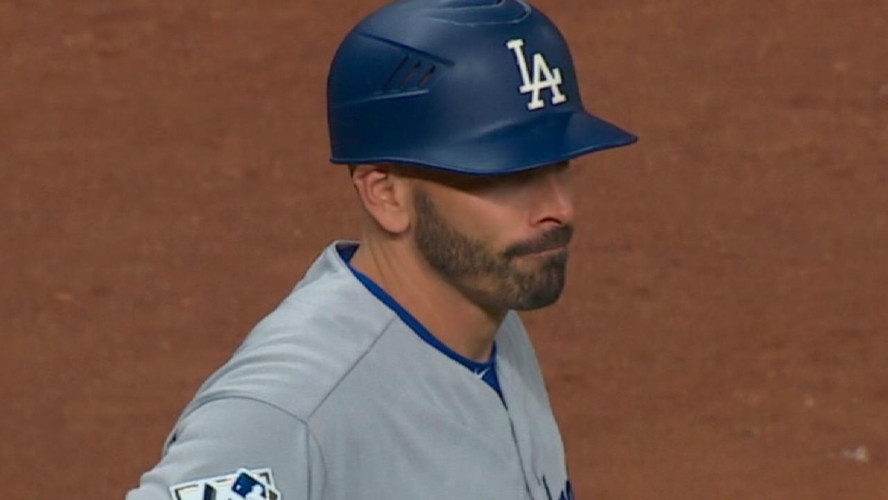 Yanks interview Dodgers 3B coach Woodward