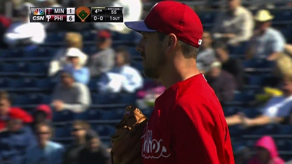 Lee on solid start against Twins