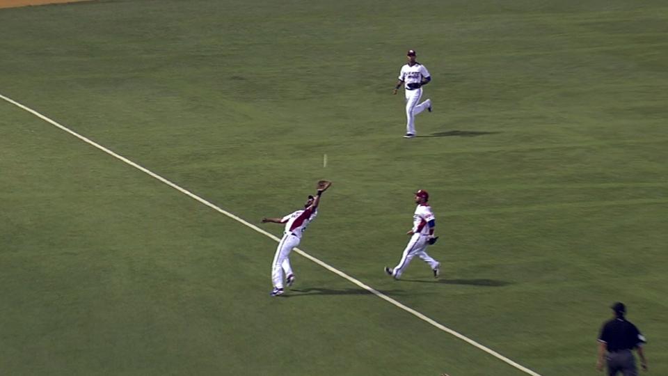 Gonzalez's tough catch