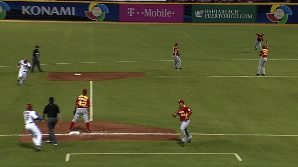 Gomez nails runner at third