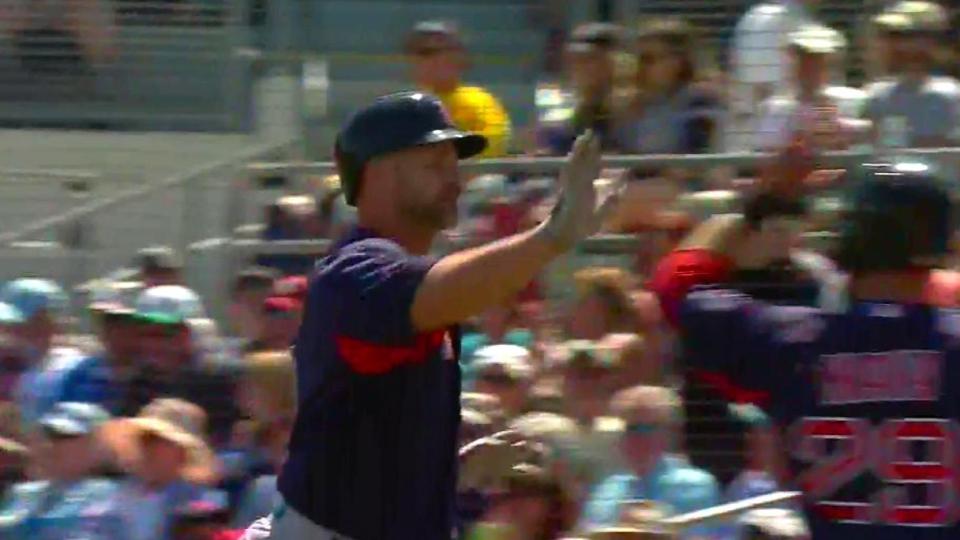 Ross' three-run homer