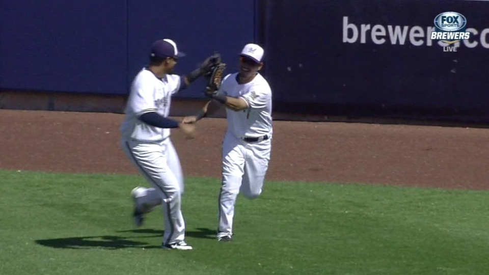 Aoki's running catch