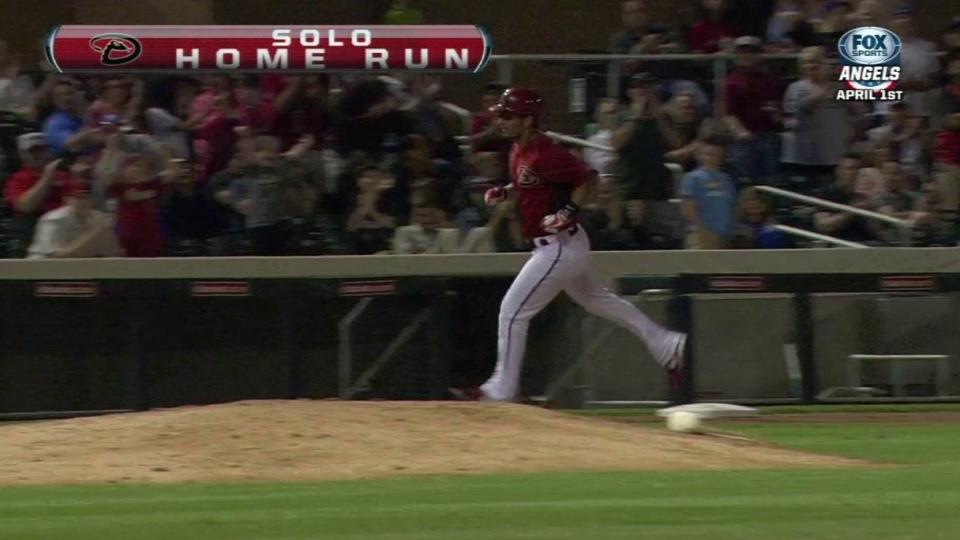 Chavez's solo home run ties it