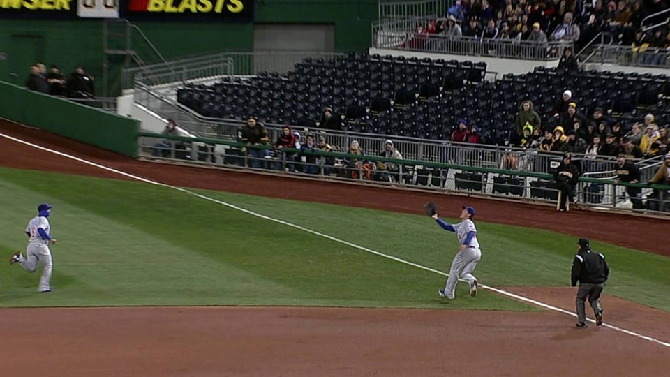 Rizzo's over-the-shoulder grab