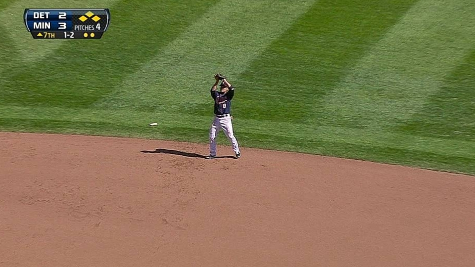 Twins escape bases-loaded jam