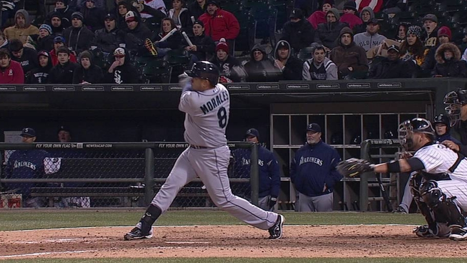 Morales' go-ahead double