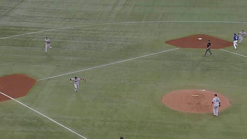 Middlebrooks' barehanded play