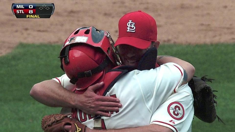 Wainwright finishes shutout