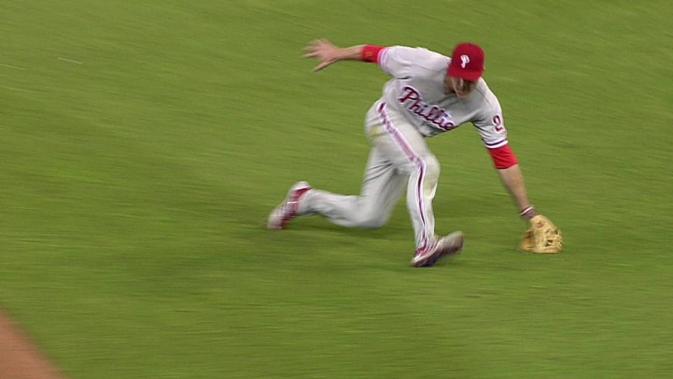 Utley's diving play