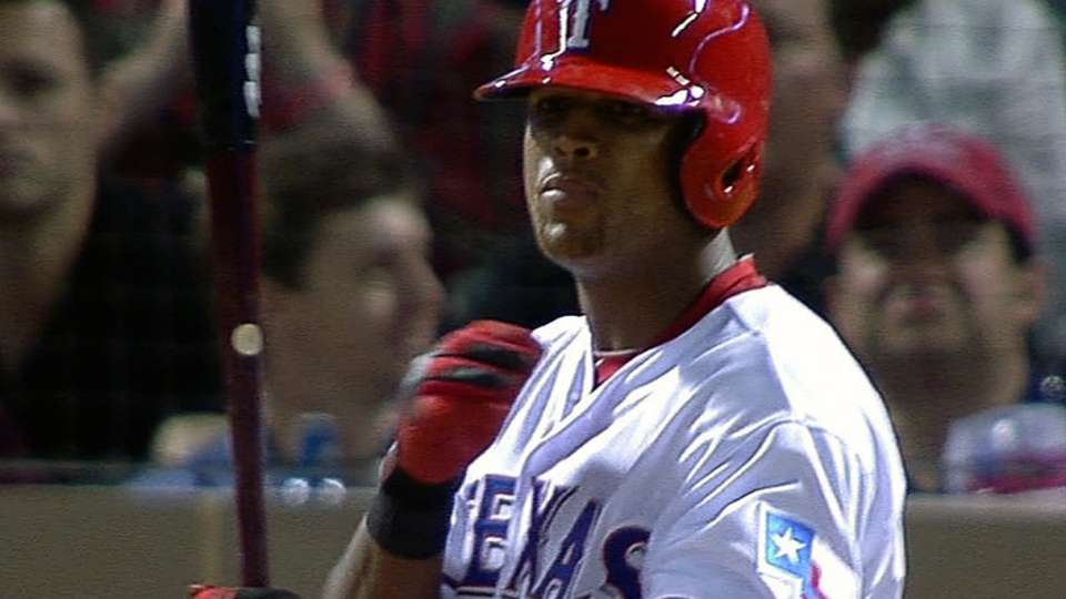 Beltre homers after wild pitches