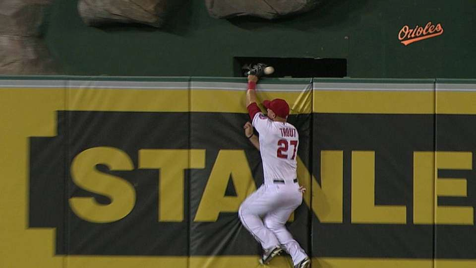 McLouth's two-run homer