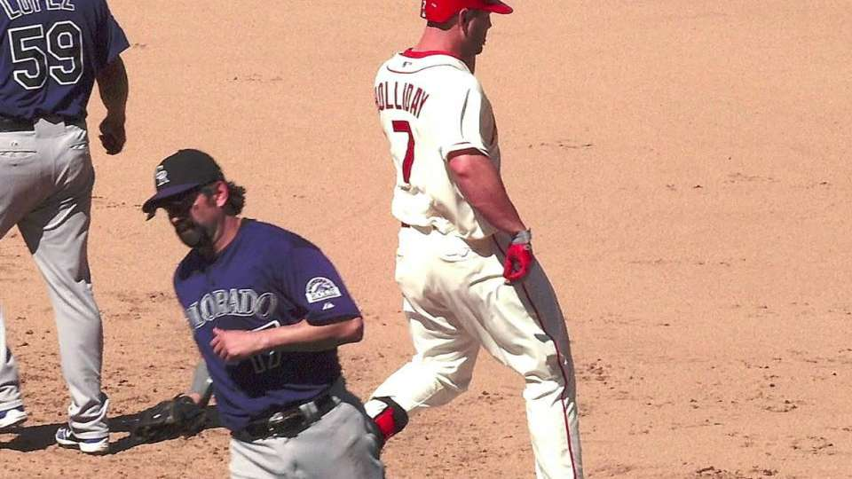 Holliday leaves with injury