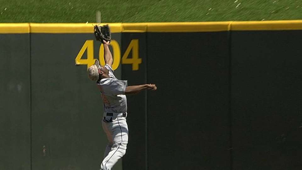 Bourn's outstanding catch