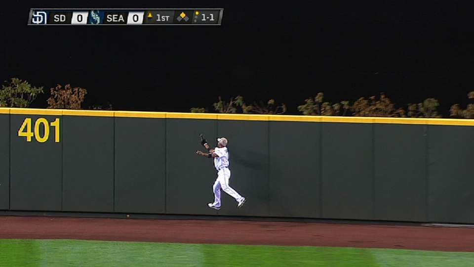 Chavez's over-the-shoulder catch