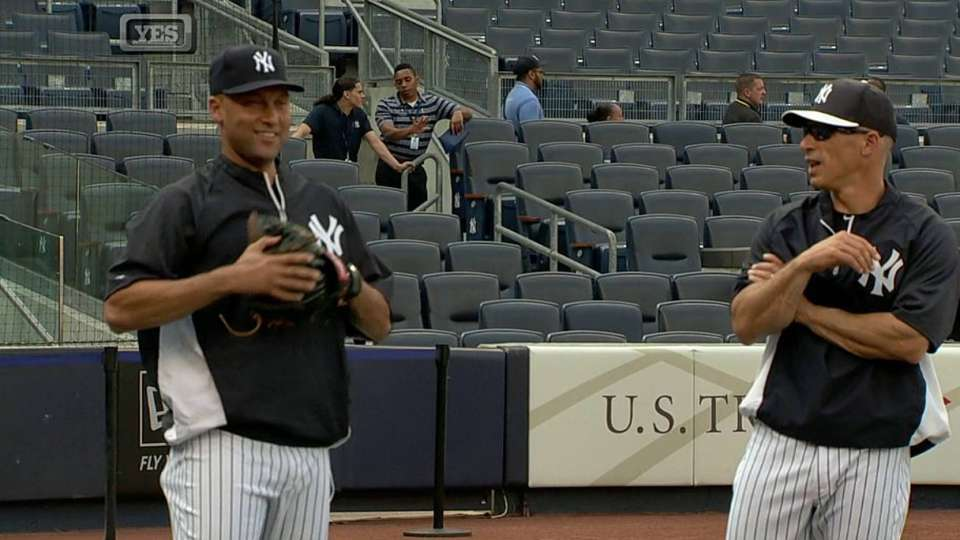 Jeter plays catch prior to game