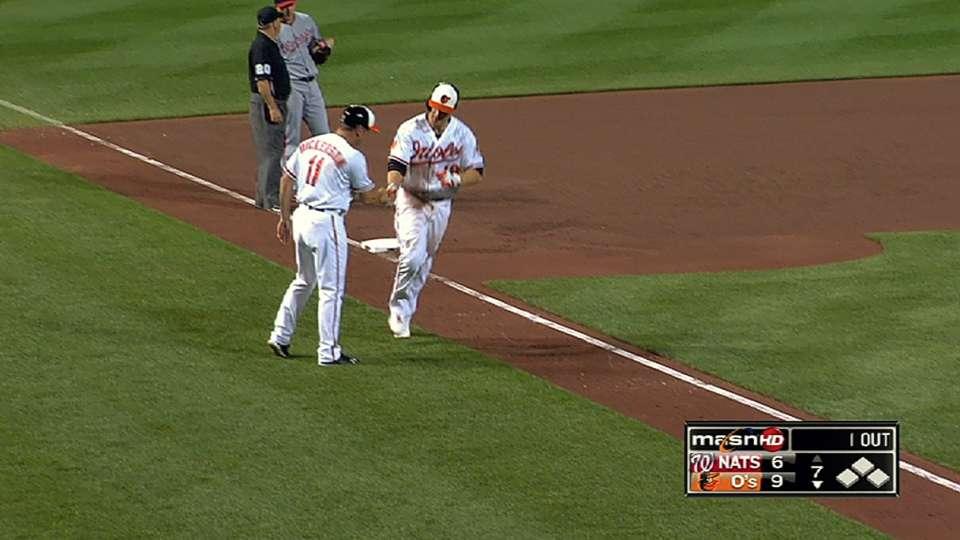 Davis' four-hit, two-homer game