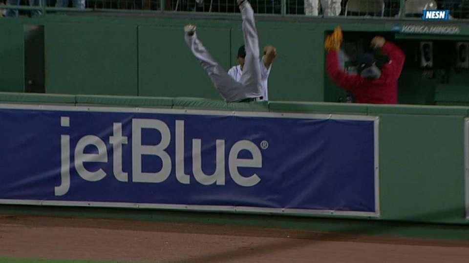Carp homers, Cruz flips over