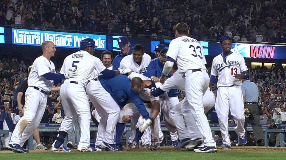 Dodgers walk off on wild pitch