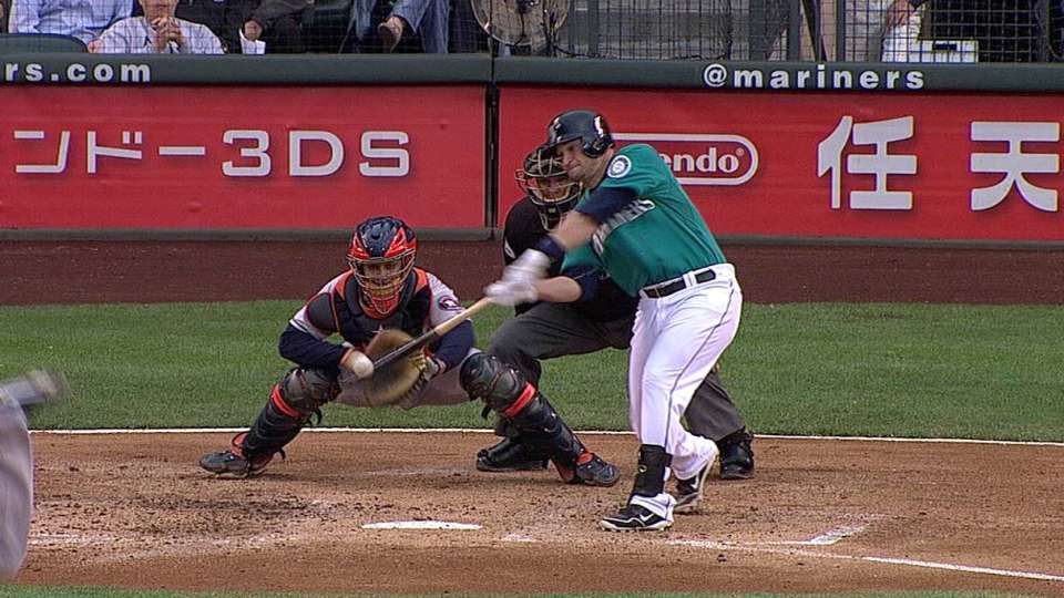 Zunino's first MLB hit