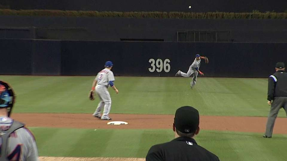 Lagares throws out Ross