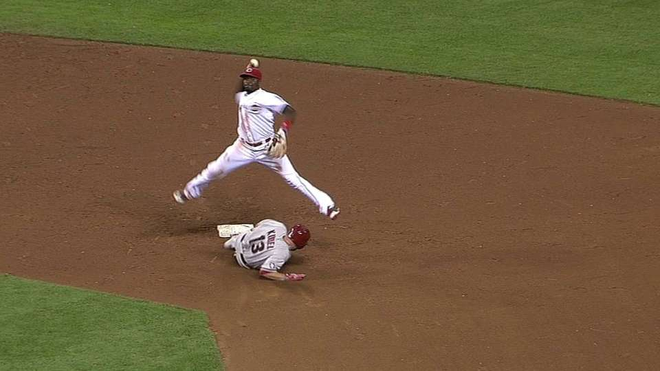 Reds turn terrific double play