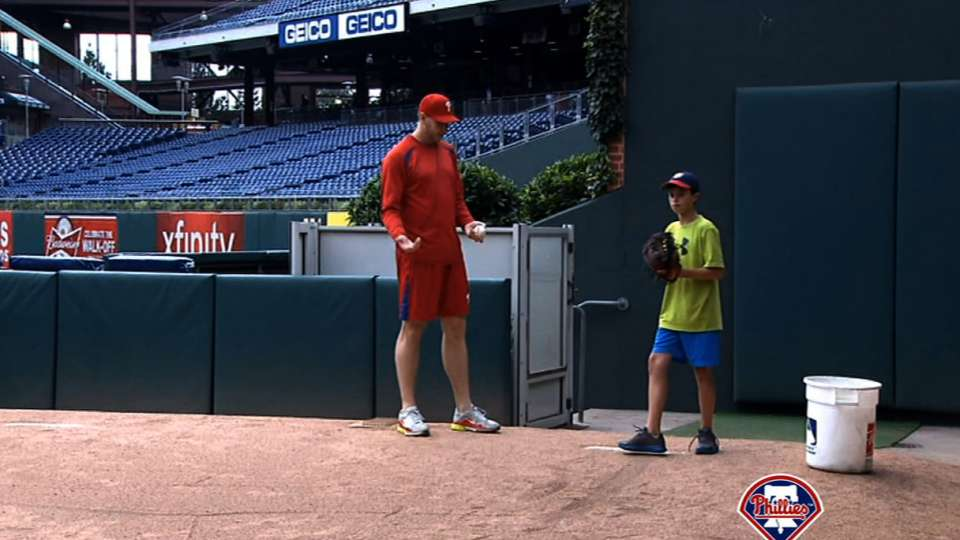 Halladay's pitching clinic