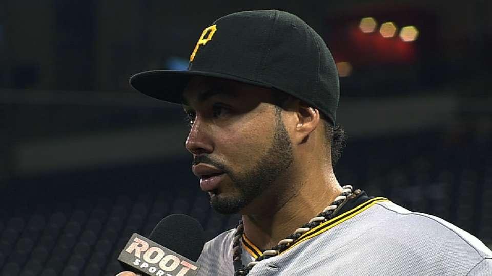 Alvarez on long single, homer