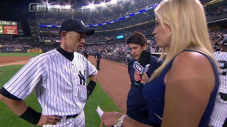 Ichiro discusses milestone hit