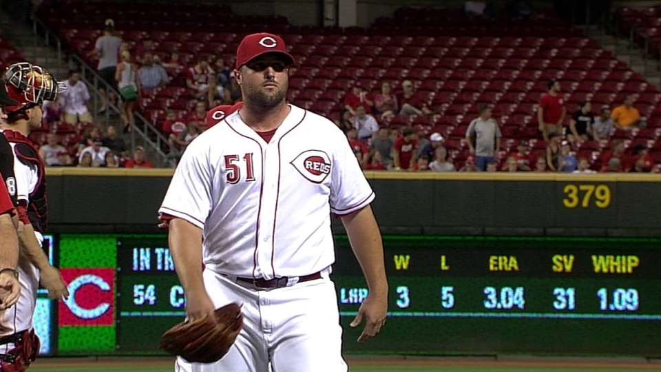 Broxton leaves due to injury