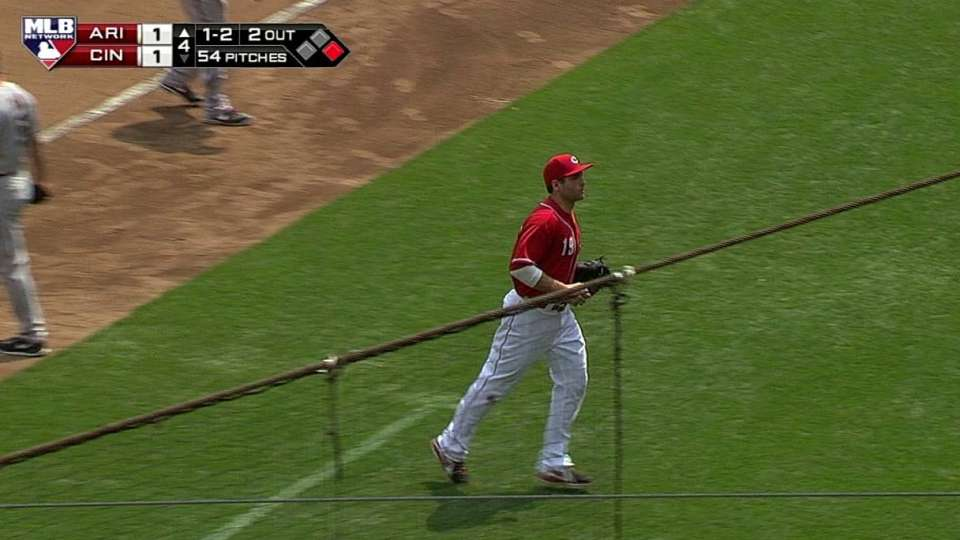 Votto's pick completes strikeout