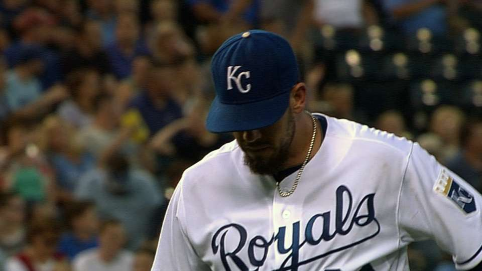 Shields' solid outing