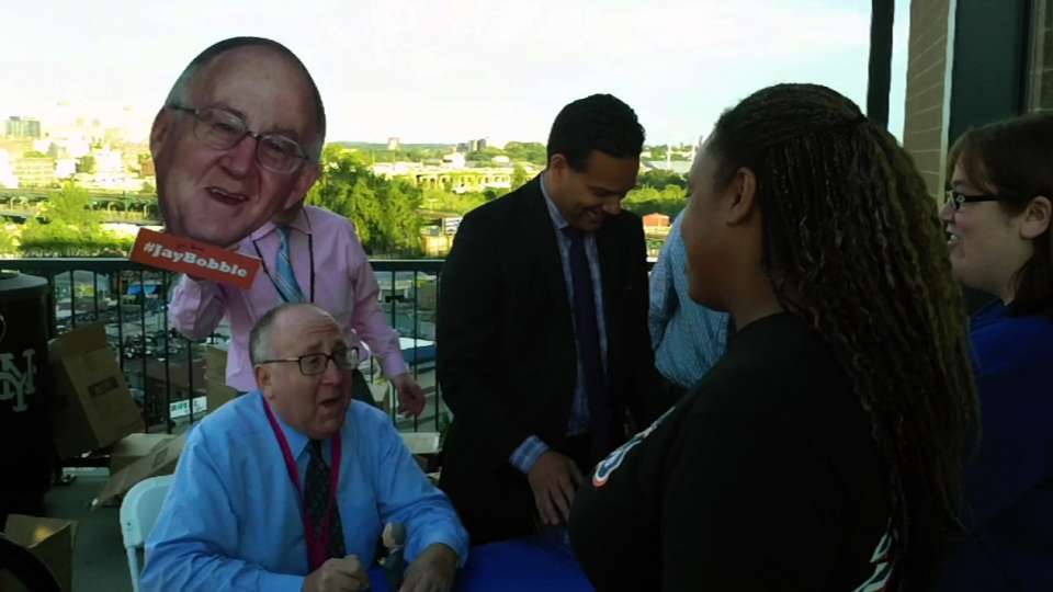 Jay Horwitz meets with Mets fans
