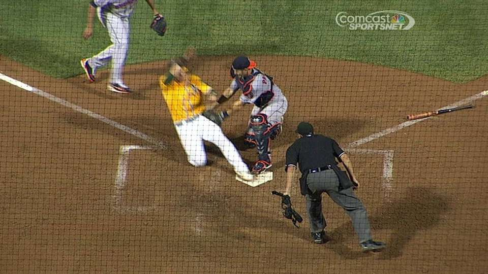 Vogt scores ahead of the tag