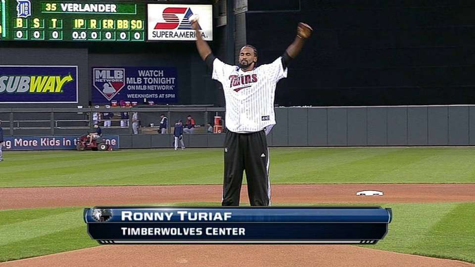 Ronny Turiaf's first pitch