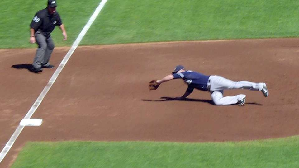 Headley's diving play
