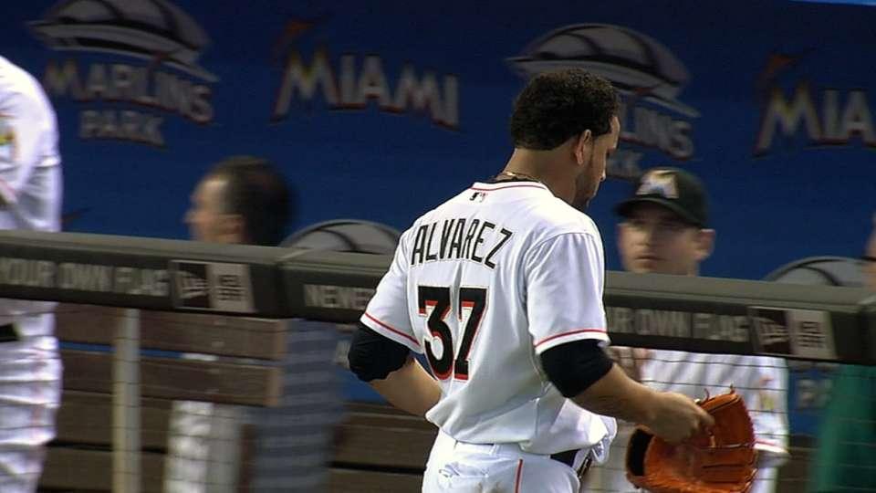 Alvarez saca el ultimo out