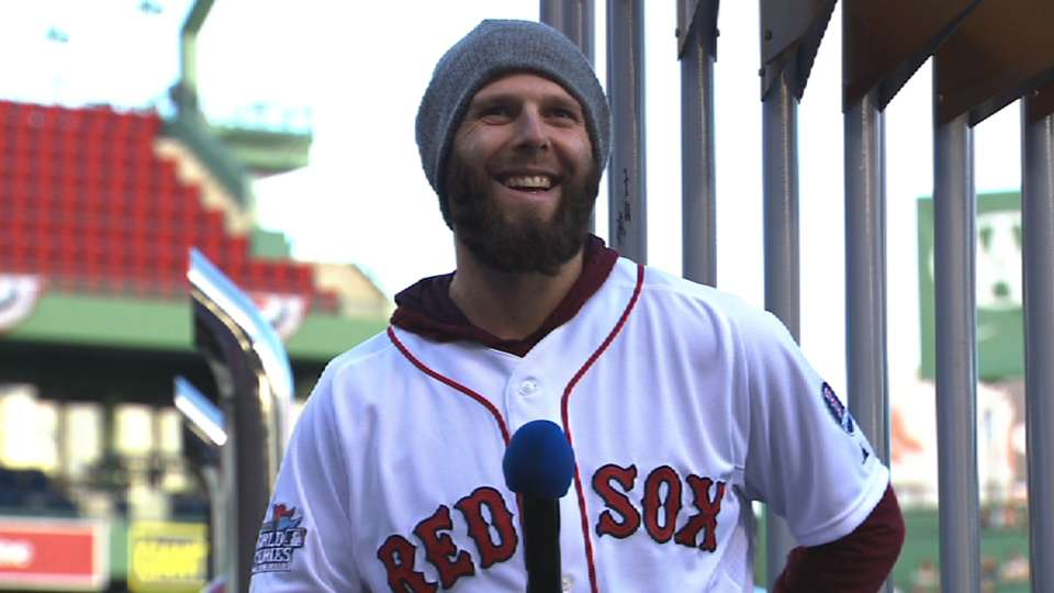 Pedroia talks to the fans
