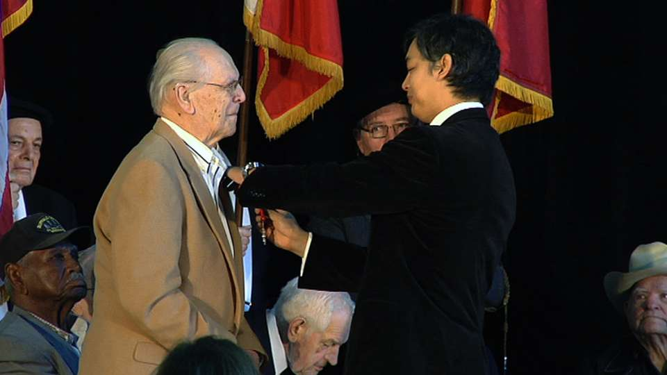 Veterans receive medals