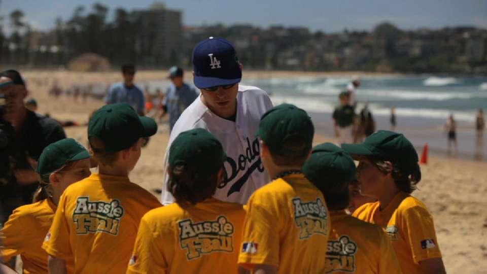 Dodgers, D-backs visit Sydney