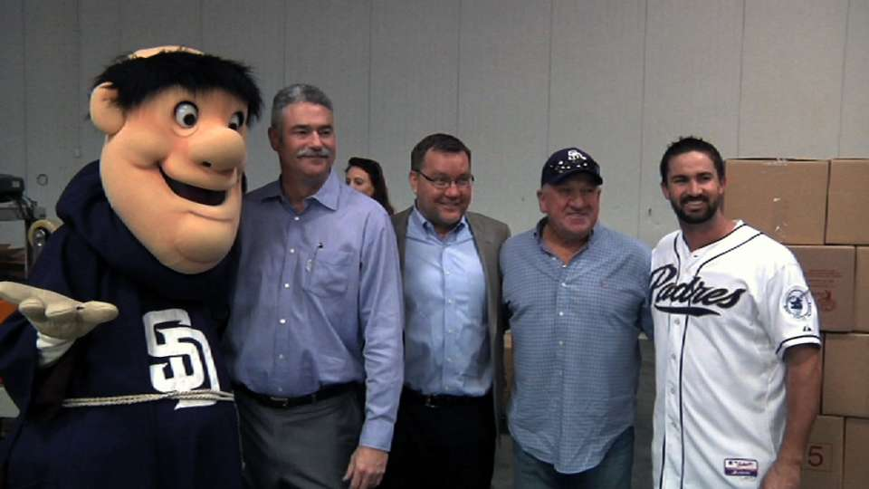 Padres donate to food bank