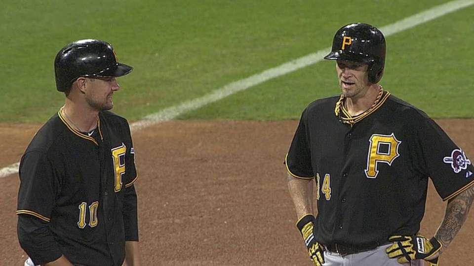 Padres attempt hidden-ball trick
