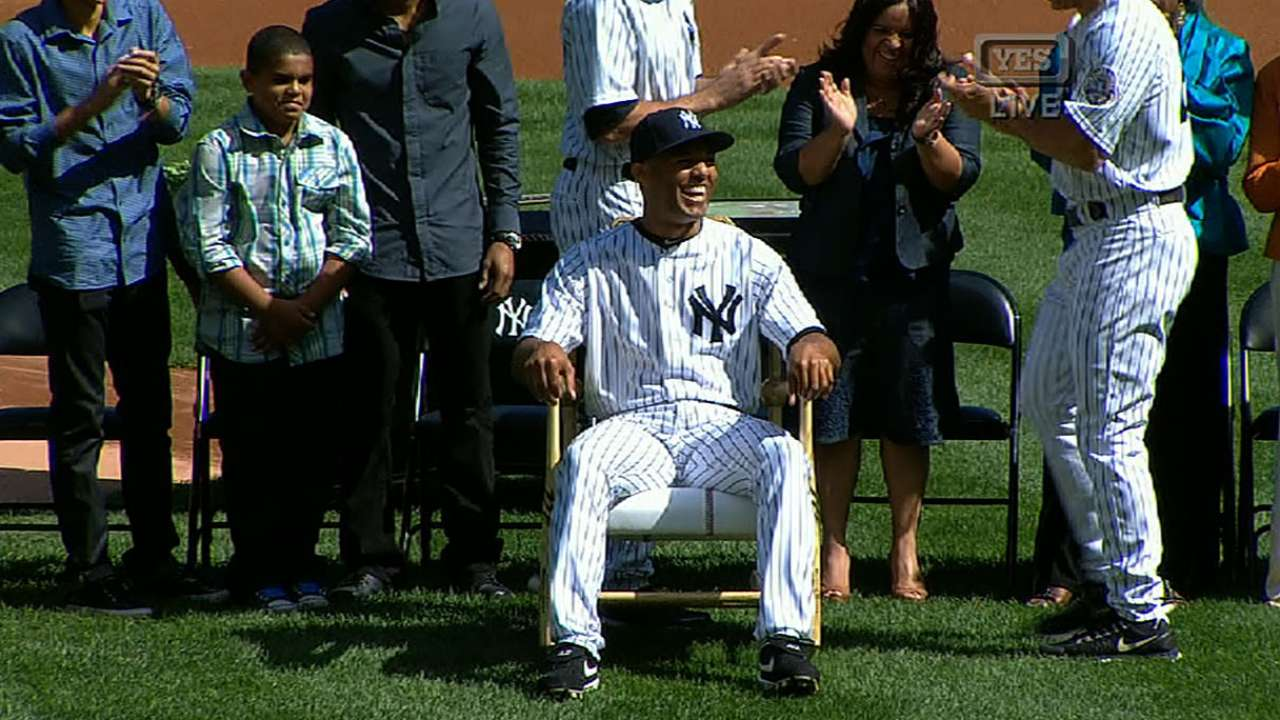 Surprising Yankees Give Mariano Rivera A Rocking Chair Made Of Bats Inzonedesignstudio Interior Chair Design Inzonedesignstudiocom