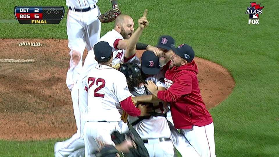 Red Sox advance to World Series