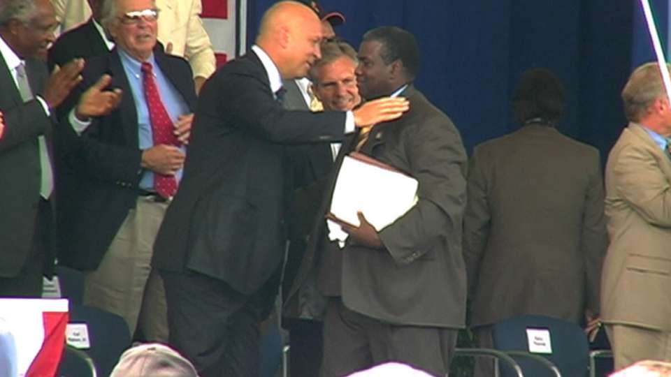 Gwynn inducted to Hall of Fame