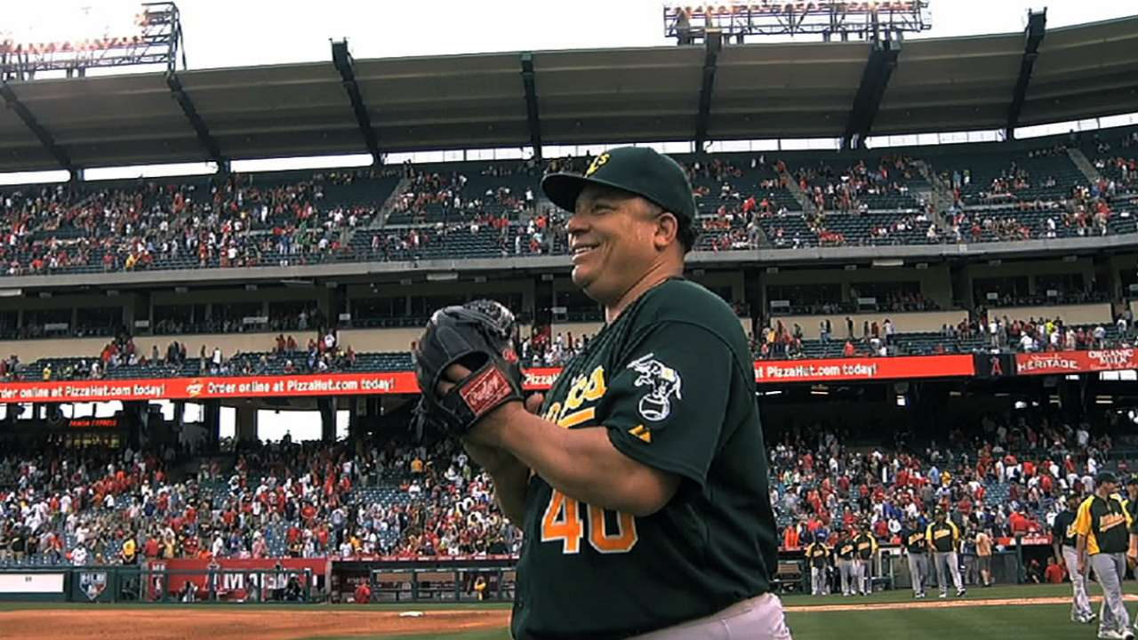New york mets sign free agent pitcher bartolo colon to two year colon headed to the mets kristyandbryce Gallery