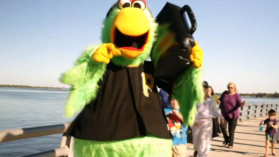Pirate Parrot arrives in Fla.