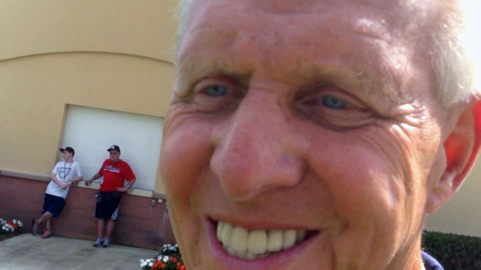 Parcells drops by Marlins Camp