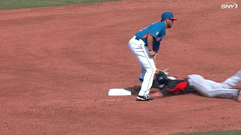 Recker throws out Marisnick